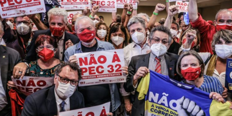 <center>Lula recebe documento com reivindicações dos servidores e afirma que é contra a Reforma Administrativa